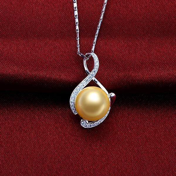佐卡伊 仙境-南洋金珠钻石吊坠 白18K金女式吊坠