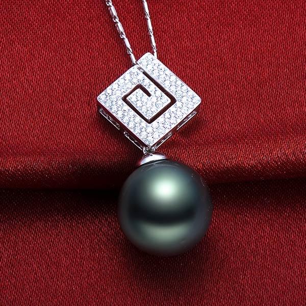 佐卡伊 情迷-白18K金大溪地黑珍珠钻石吊坠,豪华款