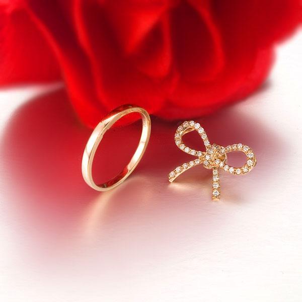 戒指和蝴蝶结指尖有暗扣可以拆下来