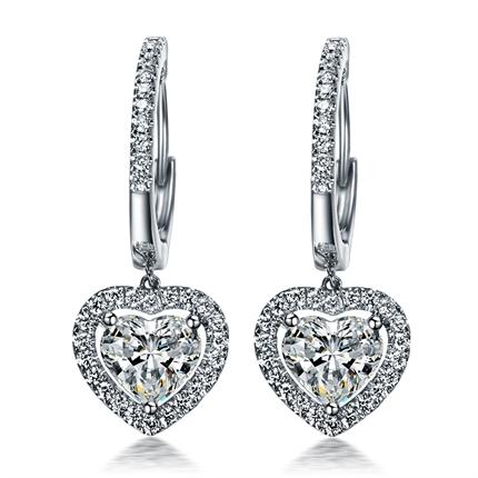 【浪漫的心】 白18k金70分/0.7克拉心形豪华钻石耳钉
