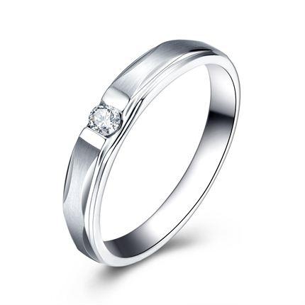 【雨夜星光】 白18K金钻石女士戒指