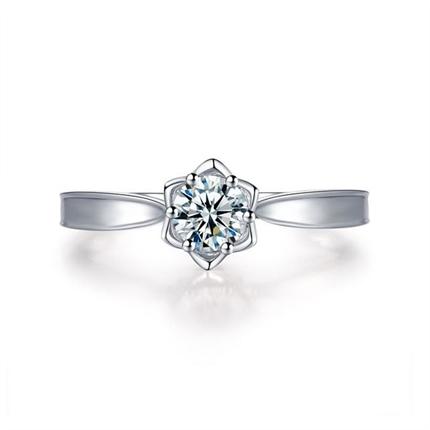 【捧花-铃兰】 白18K金30分订婚结婚钻石戒指