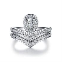 【一生的公主】 白18K金异形钻戒求婚结婚钻戒