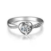 【浪漫心】 白18k金心形求婚订婚结婚钻戒