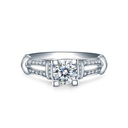 【梦幻城堡】 白18K金钻石戒指求婚订婚结婚钻戒