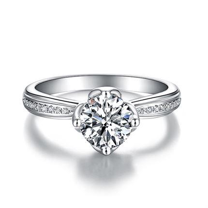 【捧花】系列 白18k金结婚求婚订婚群镶四爪钻戒