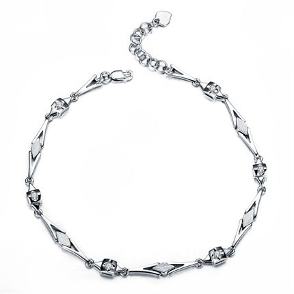 【天使之吻】系列 白18k金0.18 克拉钻石手链