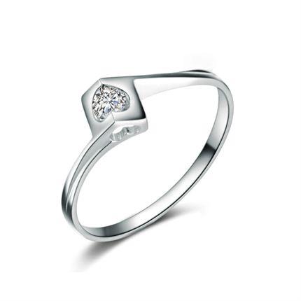 【天使之吻】 白18k金6分/0.06克拉钻石戒指