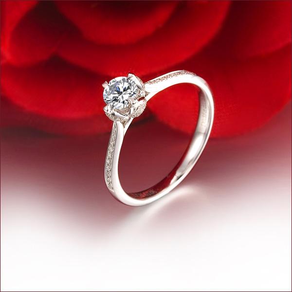 》》点击进入【若火】 白18K金24分/0.24克拉钻石女士戒指