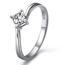 【爱的晨风】 白18k金32分/0.32克拉钻石戒指
