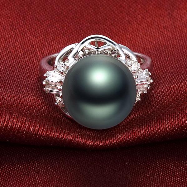 佐卡伊 大溪地黑珍珠-白18K金女式戒指 ,珍珠直径12-13mm,最高光泽