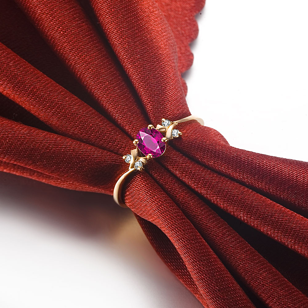 佐卡伊 遇见你  椭圆形红宝石18K玫瑰金钻戒