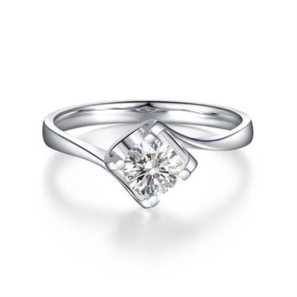 【闪耀时光】 白18K金40分/0.4克拉钻石女士戒指
