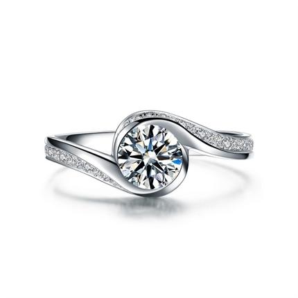 【倾城】 白18K金钻石女士戒指