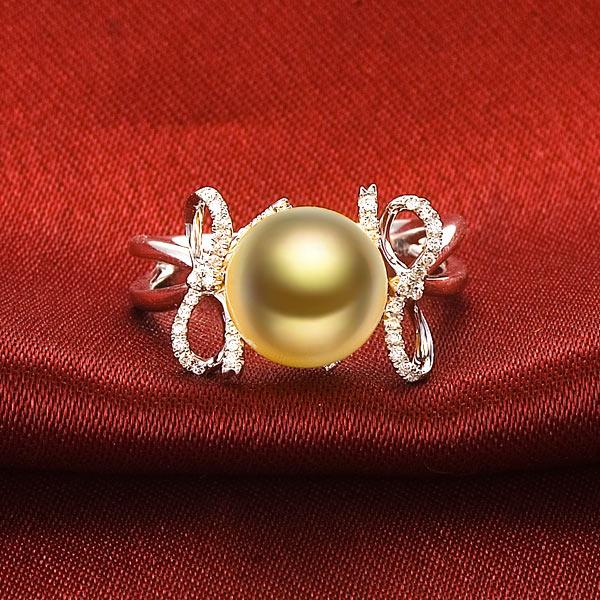 怀抱梦想-白18K金南洋金珠女式戒指