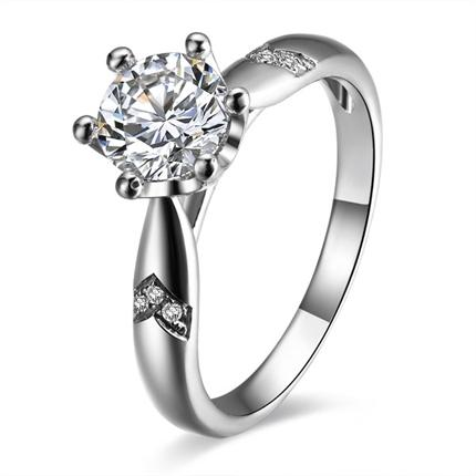【桂冠】 白18k金32分/0.32克拉钻石戒指