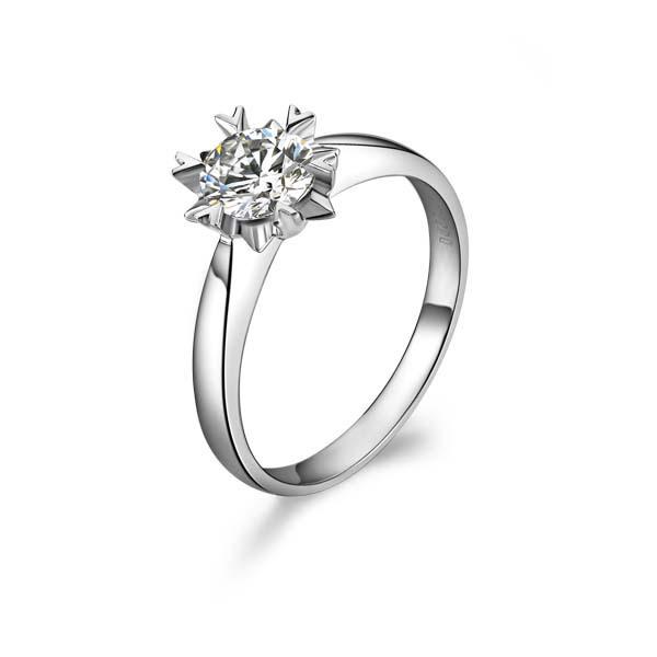 【情有独钟】 白18k金50分/0.5克拉钻石戒指