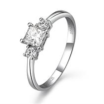 【公主情深】 白18k金42分/0.42克拉钻石戒指