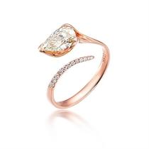 【龙之心】  1克拉玫瑰金钻石戒指