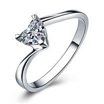 【玫瑰爱心】 白18K金心形钻石戒指