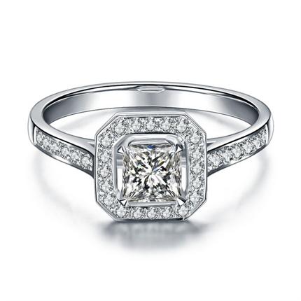 【维多利亚公主】 白18K金钻石女士戒指