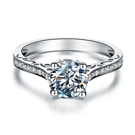 【秀美】 白18K金共1.1克拉钻石戒指