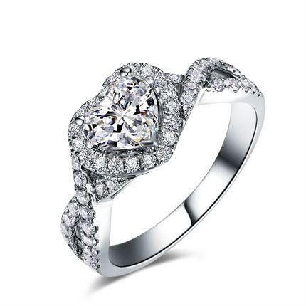 【初心之恋】 白18K金1克拉钻石戒指