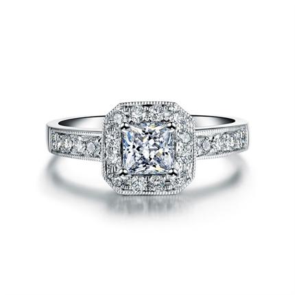 【珍藏】 白18K金公主方钻石戒指 尊贵定制
