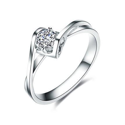 【天使之吻】 白18k金钻石女戒结婚戒指