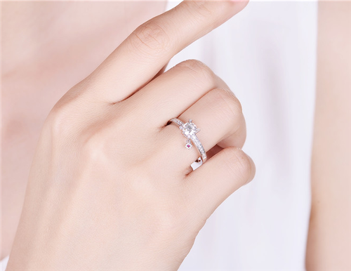 男人结婚戒指戴哪只手 男生结婚戒指戴哪个手