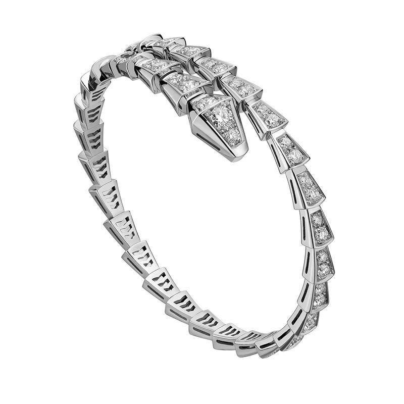 钻石手镯的搭配守则 钻石手镯怎么搭配最出众
