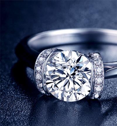 中秋节怎么挑选钻石戒指