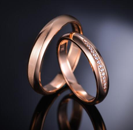 谁家的情侣戒指好看 特别的情侣对戒