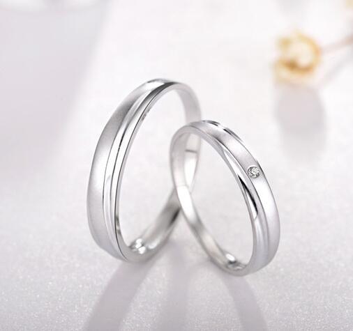 你的铂金戒指贵不贵