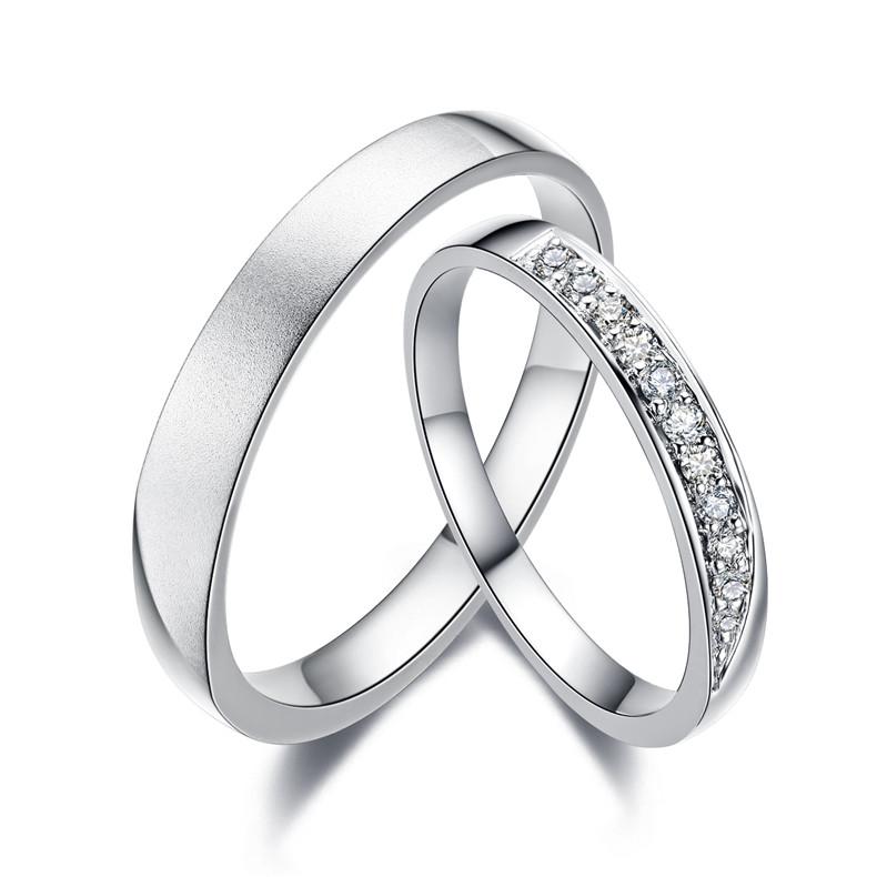 男方的结婚戒指由谁买合适