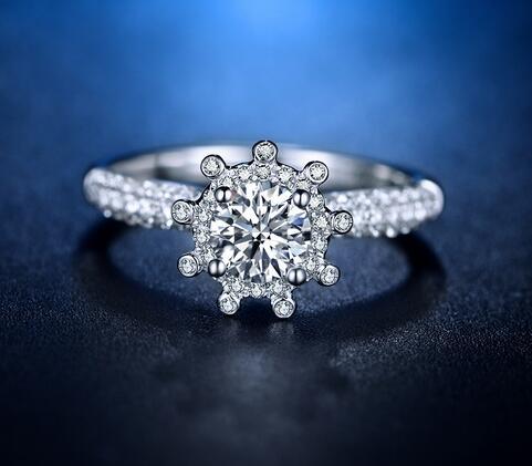 钻戒可以戴两个吗 戴两个戒指有什么意义