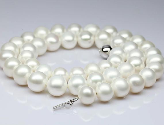 珍珠项链真假辨别方法
