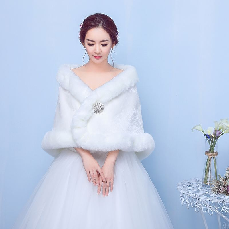 新娘挑选订婚礼服需要注意什么