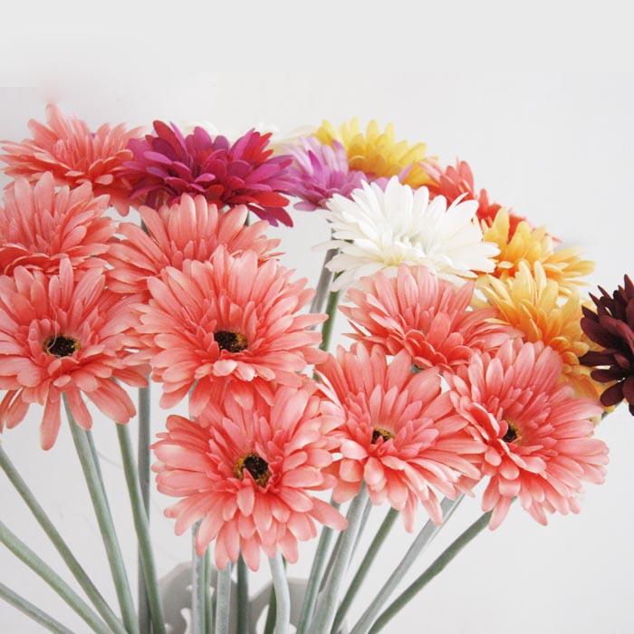 在订婚的时候应该送些什么花