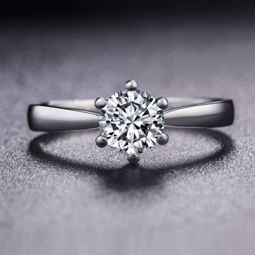 白18k金钻石女戒选购技巧
