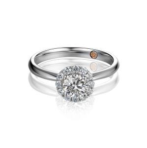 新人买婚戒要清楚0.6克拉钻石多少钱