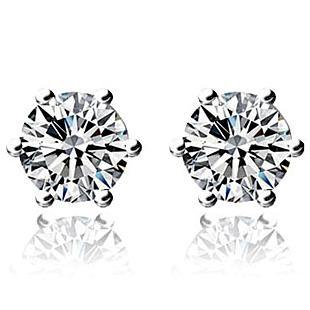 教你怎样佩戴钻石耳钉更好看