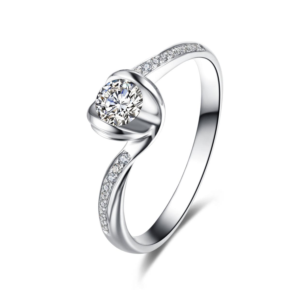 铂金戒指和黄金戒指那个贵?铂金钻戒和黄金戒指买哪种好?