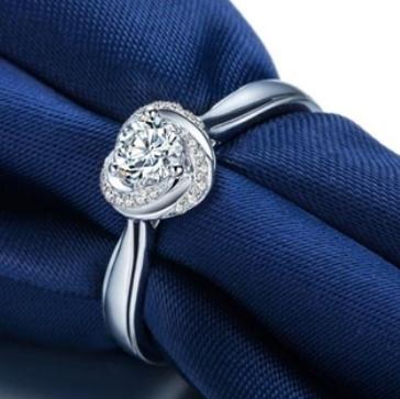 怎么挑选心形钻石?一克拉心形钻戒多少钱?