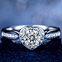 如何挑选结婚钻戒?挑选钻戒的省钱技巧有哪些?