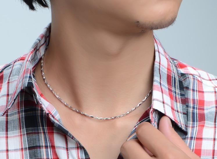 男人戴铂金项链好还是黄金项链好?