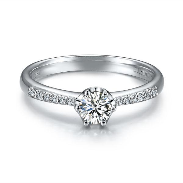 》》点击进入【悦色】 白18k金40分/0.4克拉钻石戒指