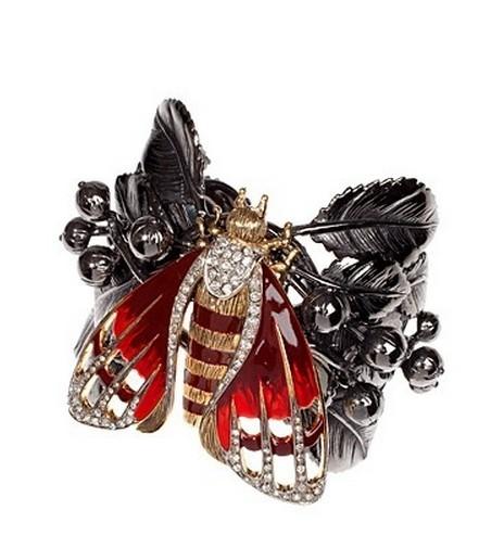 造型独特的花朵昆虫珠宝 传递自然之美【图】