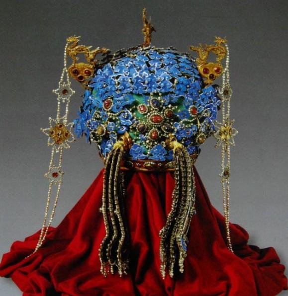 """帝王珠宝:""""凤冠""""上的珍珠"""