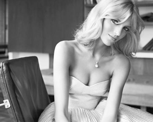 安雅魔方拍摄30周年珍珠首饰广告【图】